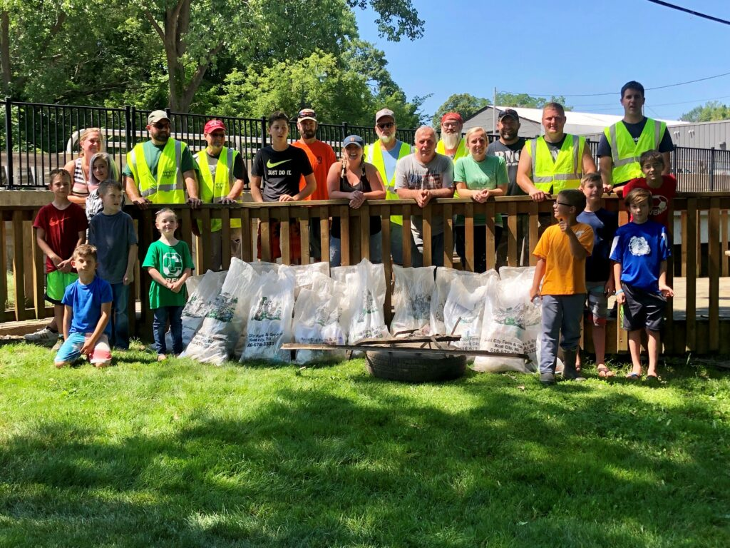 2019 Crockery Creek Cleanup Team